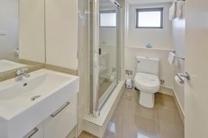 Unit 18 Bathroom