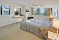 GazeKingsBeach18Bed